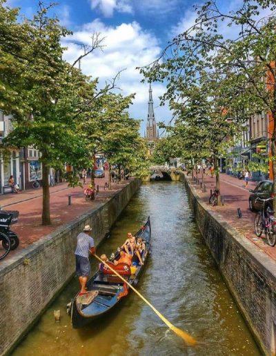Gondola tours Leeuwarden zomers uitje binnenstad gondel voorstreek