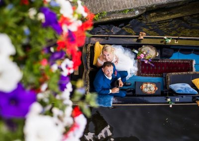 rondvaart leeuwarden friesland huwelijksbootje gondel bruid blokhuispoortbrug