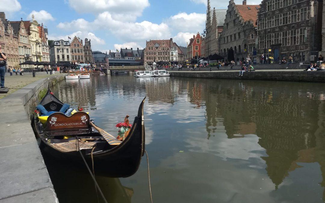 Een Venetiaanse gondel uit Leeuwarden in Gent….